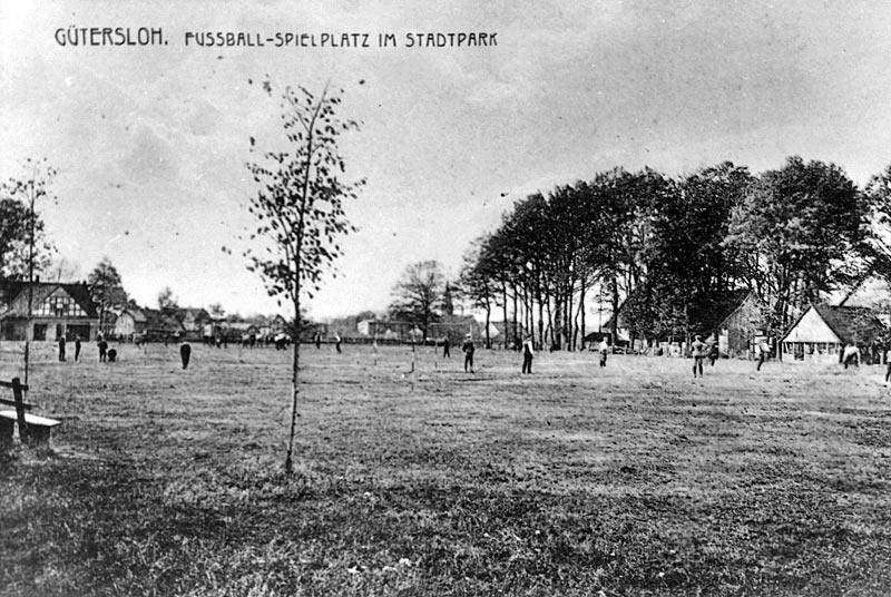 Geschichte des Stadtparks: Fußballplatz 1910