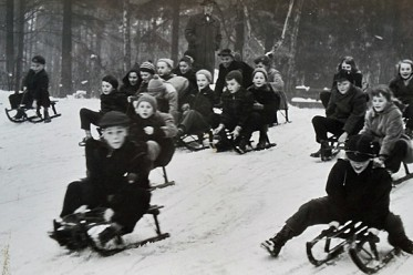 Rodelhügel 1957