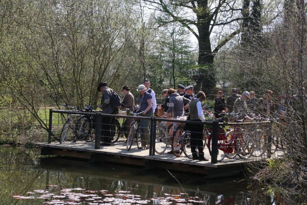 Gütersloher Tweed Run im Stadtpark Gütersloh
