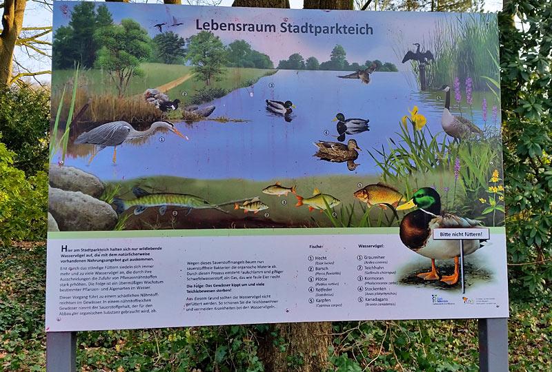Lebensraum-Stadtpark-Schild