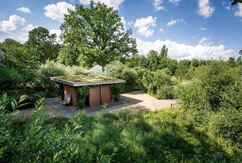 Pavillon im Naturnahen garten