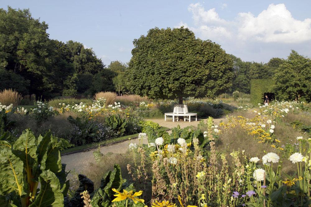 Rundbank im Botanischen Garten Gütersloh